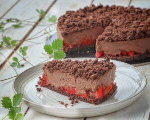 Torta mousse cioccolato fondente e fragole