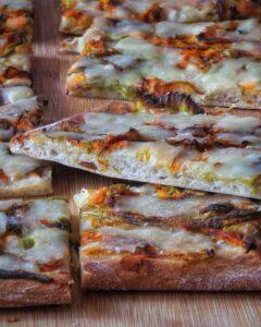 Pizza ad alta idratazione e lunga lievitazione con lievito madre, Bonci Docet
